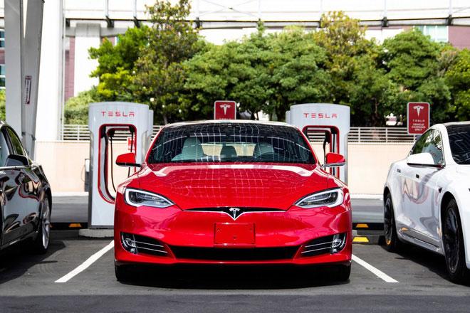 Xe Tesla.
