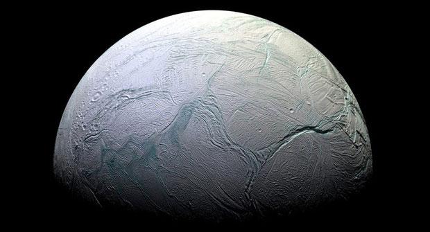 Mặt trăng của sao Thổ Enceladus.