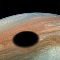 NASA phát hiện đốm đen trên sao Mộc dài gần 4.000km