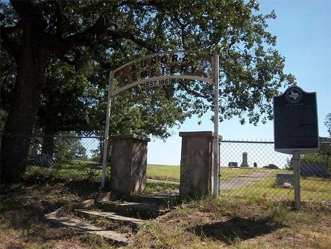 Nghĩa trang Aurora – nơi được cho là từng chôn người ngoài hành tinh.