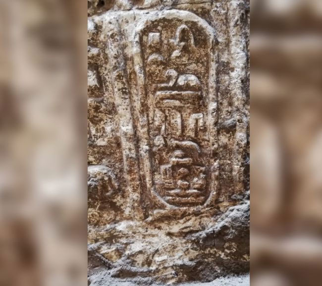 Cận cảnh một bức phù điêu của ngôi đền
