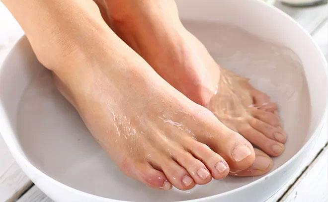 Ngâm chân là biện pháp thải độc cơ thể hiệu quả mà nhiều người bỏ qua.