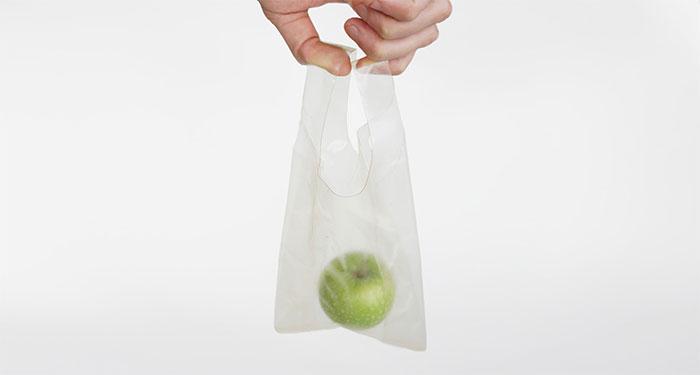 Sản phẩm có tên MarinaTex, là loại bao bì thân thiện với môi trường làm từ da và vảy cá.
