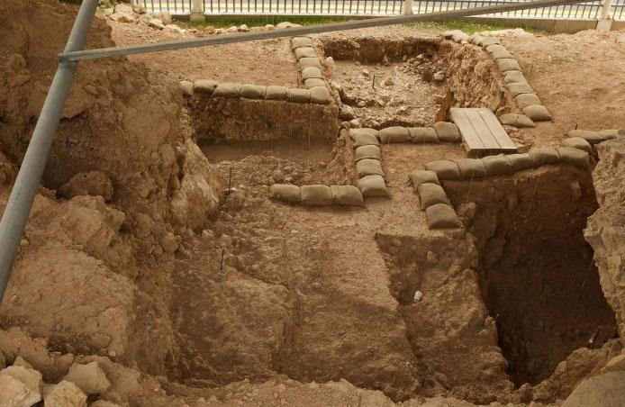 Hang động Qesem (Israel) nơi người cổ đại dự trữ xương động vật để lấy tủy.