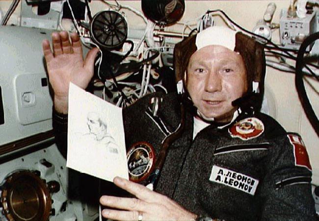 Nhà du hành vũ trụ Alexei Leonov.
