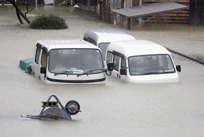 Trong ảnh biển nước bao vây khu dân cư ở Ise, tỉnh Mie, miền trung Nhật Bản.