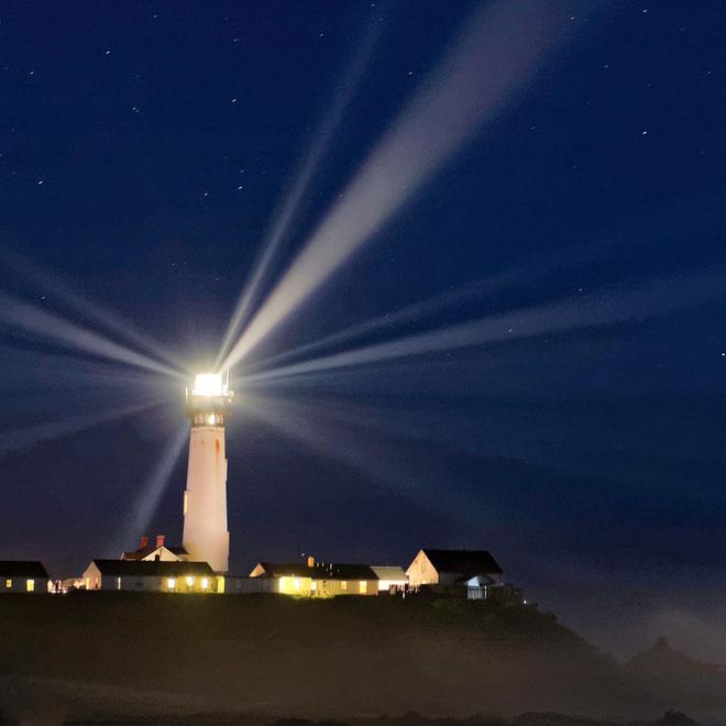 Ánh sáng từ ngọn hải đăng