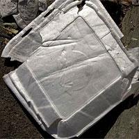 Các nhà khoa học phát hiện ra nhựa có thể tự phân hủy dưới ánh sáng Mặt Trời chỉ trong vài thập kỷ