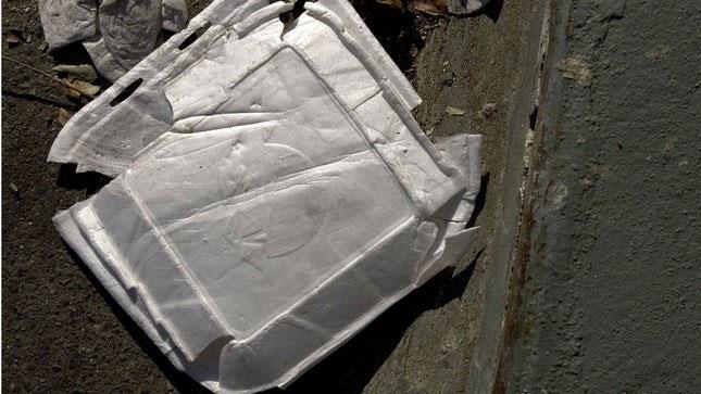 """Nhựa polystyrene không phải là tồn tại """"mãi mãi"""" như chúng ta vẫn nghĩ."""