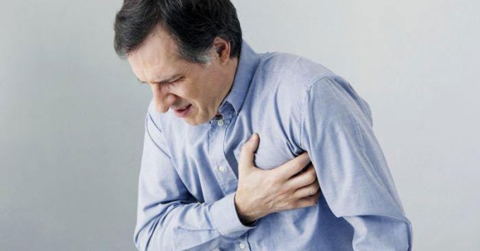 Tình trạng này thường bị gây ra bởi các vấn đề về đường huyết.