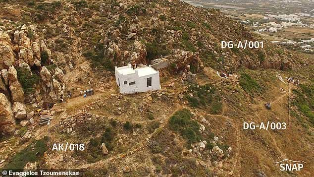 Một phần đảo Naxos với các địa điểm phát hiện bằng chứng về loài người tuyệt chủng Neanderthals