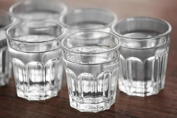 Gần như không thể phân biệt được hương vị của nước đóng chai