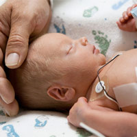 Khoa học nói: tiếng sáo có thể giúp phát triển não của trẻ sinh non