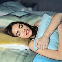 Tại sao không nên gối đầu khi ngủ?