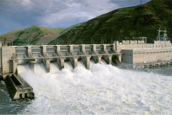 Đập Lower Granite - một trong những con đập bị chỉ trích cản đường di chuyển của cá hồi
