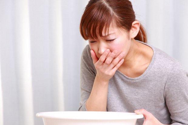 Ngộ độc thực phẩm là một trong những nguyên nhân chính gây ra bệnh tiêu chảy.