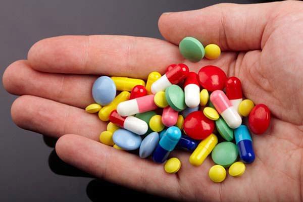 Thuốc tây được đánh giá là đem lại hiệu quả nhanh trong việc làm giảm những triệu chứng tiêu chảy.