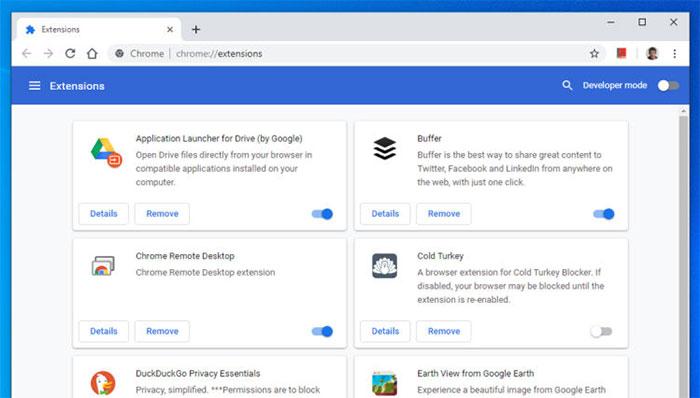 Với Chrome, từ Menu, bạn chọn More tools và Extensions.