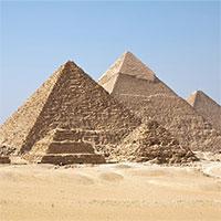 Kim tự tháp Giza có thể tập trung năng lượng điện từ vào một phòng bên trong nó