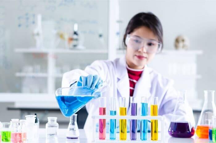 Nghiên cứu khoa học vốn là công việc đòi hỏi sự tỉ mẩn và tốn thời gian