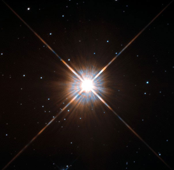 "Proxima Centauri qua ""con mắt"" của kính viễn vọng Hubble."