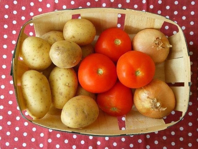 Cà chua và khoai tây đều chứa chất độc Solanine, nhưng ở lượng rất thấp.