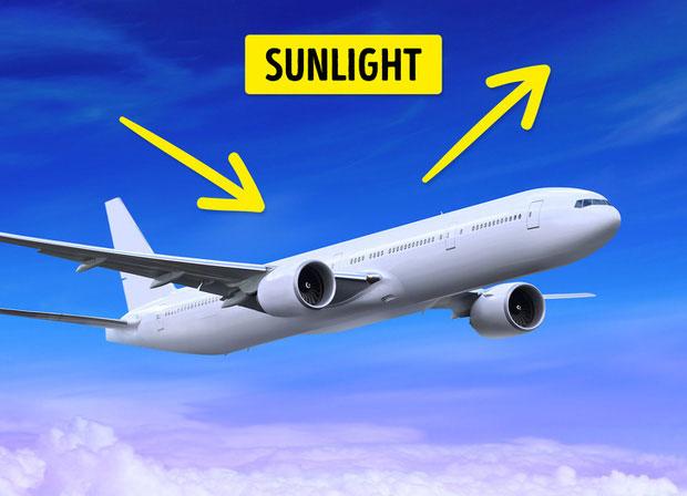 Máy bay thương mại luôn là màu trắng