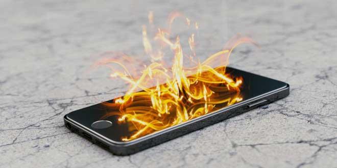Điện thoại nổ do sạc
