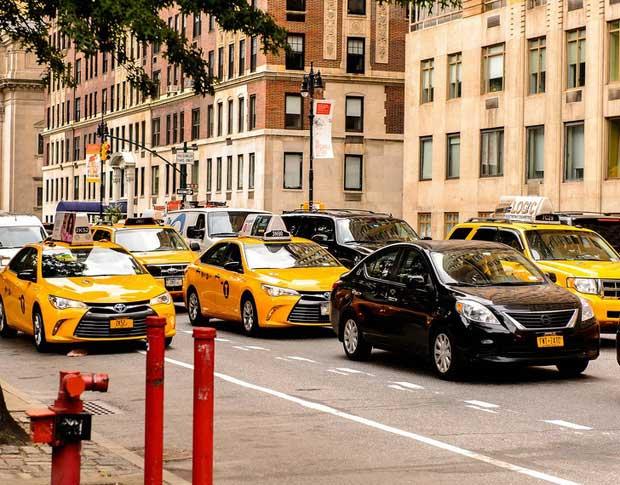 Xe taxi có màu vàng