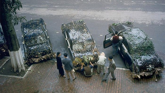 Phái đoàn Cuba chuẩn bị rời Hà Nội vào miền Nam bằng những chiếc xe con được ngụy trang