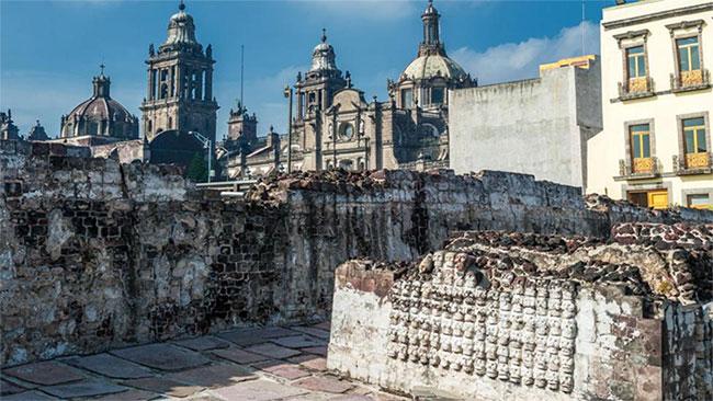 Nhiều công trình tiếp tục được tìm thấy ở trung tâm thành phố Mexico