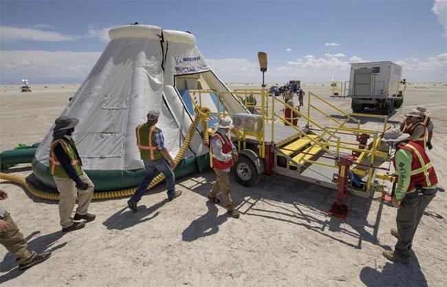 Các đội từ NASA, Boeing diễn tập hạ cánh tàu vũ trụ CST-100 Starliner