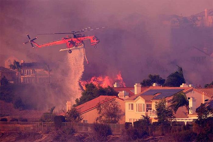 Bang California, Mỹ đang vật lộn đối phó với mùa cháy rừng nghiêm trọng.
