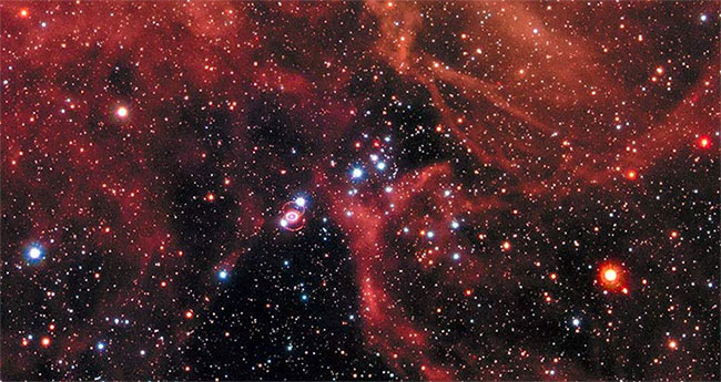 Siêu tân tinh 1987A (khoanh tròn) nằm trong thiên hà Đám Mây Magellan Lớn