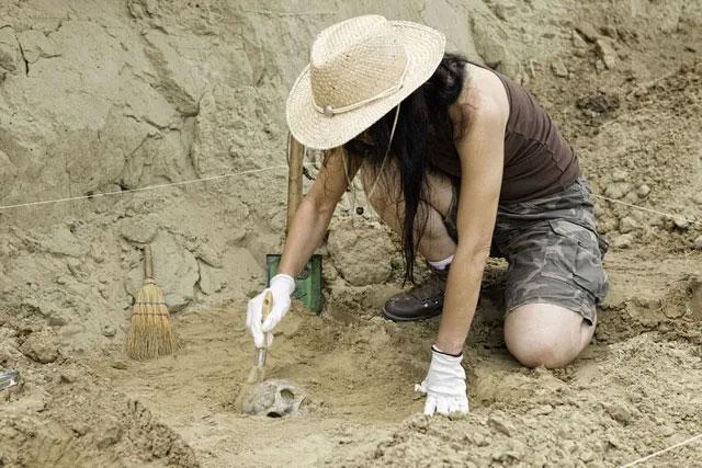 Những món đồ có niên đại chừng 3800 năm từ thời kỳ đồ đồng của nền văn minh Minos.