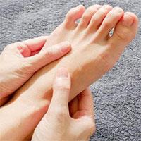 Nguyên nhân gây tê mỏi chân tay và cách xử lý