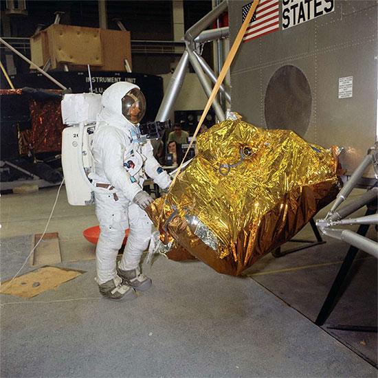 Armstrong đang tập luyện cho nhiệm vụ Apollo 11.