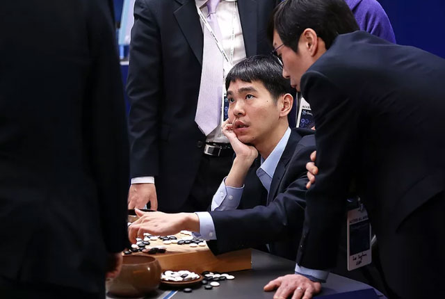 Lee Se-dol giải nghệ vì cho rằng AI không thể bị đánh bại trong môn cờ vây.