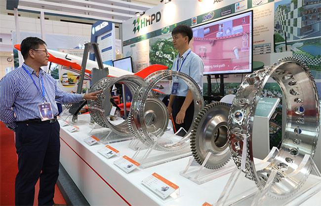 Một bộ phận được thiết kế theo đơn đặt hàng của ngành hàng không.
