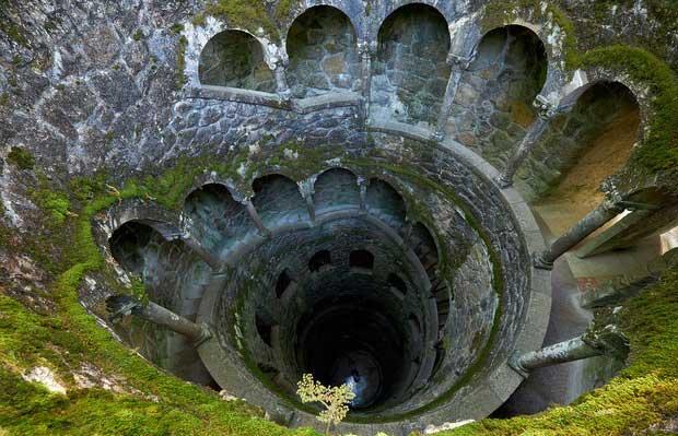Tháp đảo ngược ở Masons, Bồ Đào Nha