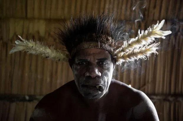 Bộ tộc ăn thịt người sống trong công viên quốc gia ở phía Tây Nam New Guinea, Indonesia