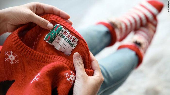 Áo len mùa Giáng sinh là món quà phổ biến trong dịp cuối năm này.