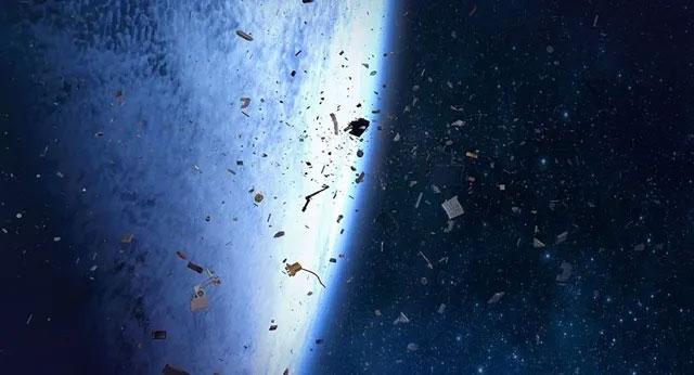 Thu dọn rác không gian là vấn đề không đơn giản.