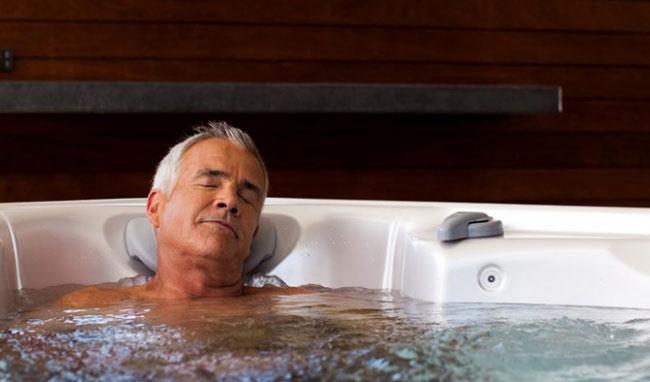 Tắm nước nóng có ảnh hưởng tới chất lượng tinh trùng không ?