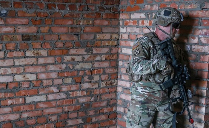 The US military is dreaming of a device that helps soldiers see through walls