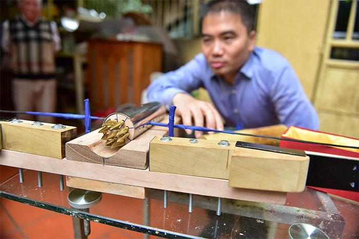 Anh Thanh cho rằng, chiếc nỏ có kết cấu khá đơn giản, dễ dàng tháo lắp.