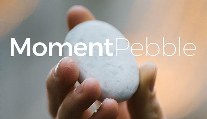 Hòn đá phát sáng Moment Pebble