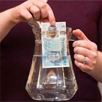 Tại sao một số quốc gia in tiền ở nước ngoài?