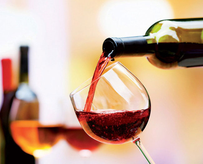 Rượu vang nồng độ thấp sẽ có hương vị nhẹ nhàng và ngọt ngào khi thưởng thức.