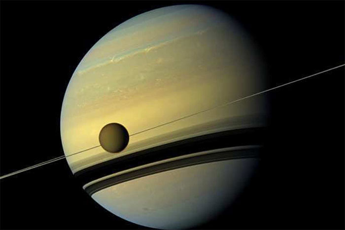Vệ tinh Titan của sao Thổ